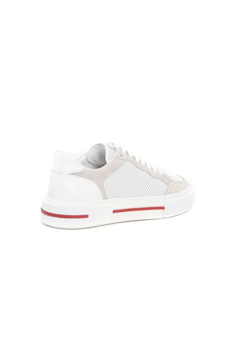 Sneakers basse traforate in pelle bianca con dettagli rossi ELEVENTY | Stringate | C72SCNC11-SCA0C02401