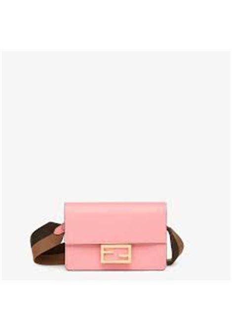 borsa a tracolla Baguette in pelle rosa confetto FENDI | Borse a tracolla | 8BS048-AAIWF17BC