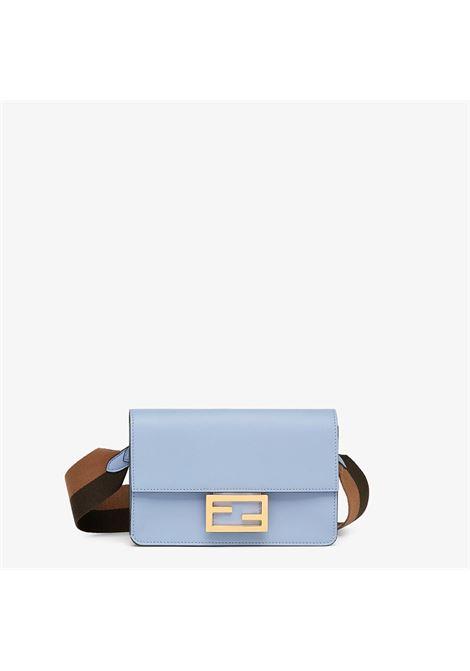 borsa a tracolla Baguette azzurro cielo con fibbia dorata FF Fendi FENDI | Borse a tracolla | 8BS048-AAIWF1DZG