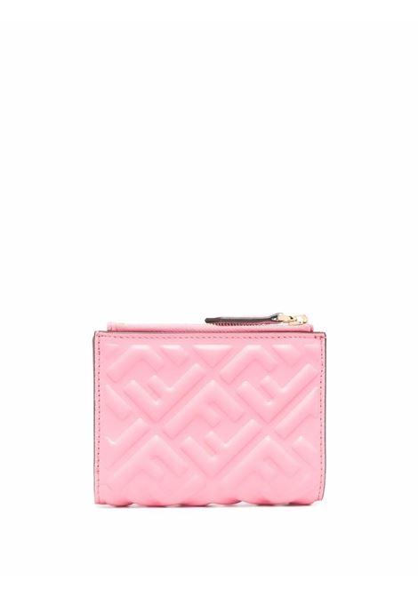 Portafoglio in pelle rosa confetto e oro con logo FF Fendi goffrato FENDI | Portafogli | 8M0447-AAJDF17BC
