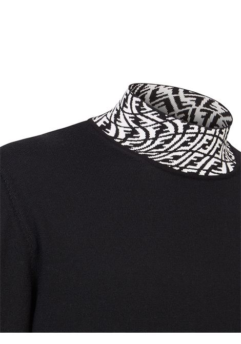 Maglia a collo alto Fendi Vertigo in lana nera con collo a contrasto bianco FENDI | Maglieria | FZZ411-AFZCF0QA1