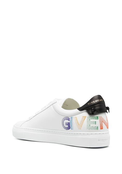 Sneakers Urban Street in pelle bianca con stampa logo Givenchy multicolore sul retro GIVENCHY | Sneakers | BH004JH0T3116