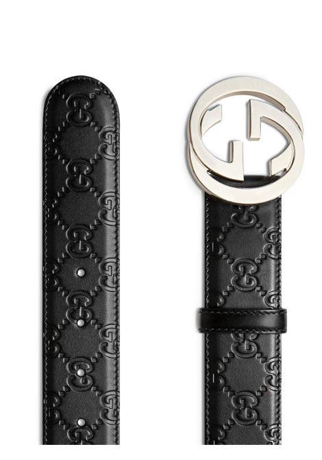 cintura in pelle di vitello nera 4cm con logo GG Gucci in rilievo e fibbia argentata GUCCI | Cinture | 411924-CWC1N1000