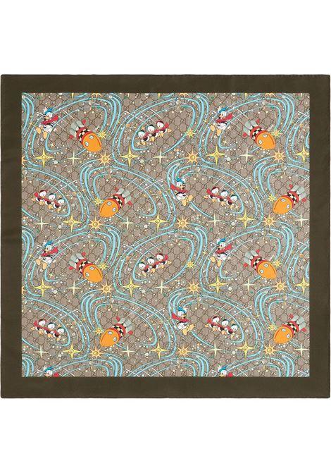 Foulard 90x90 Gucci x Disney Collection in seta beige con stampa cartoon di Paperino GUCCI | Sciarpe e foulards | 649635-4G0019769