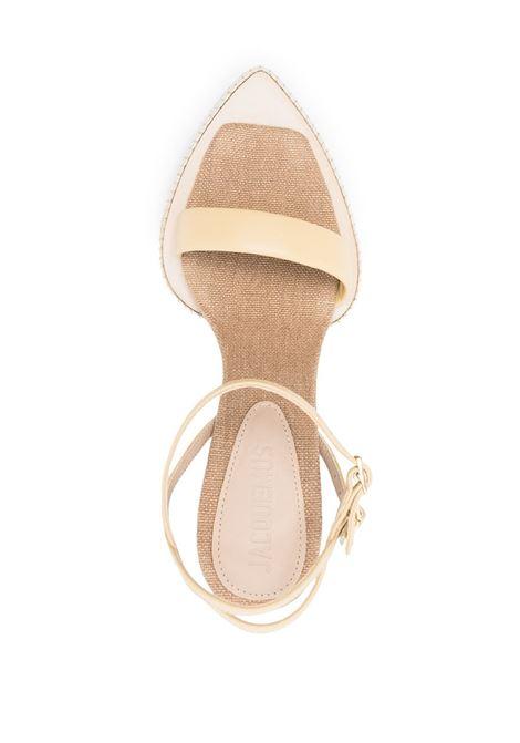 Sandali Les sandales Novio in pelle di vitello marrone sabbia a punta JACQUEMUS | Sandali | 211FO11-401220