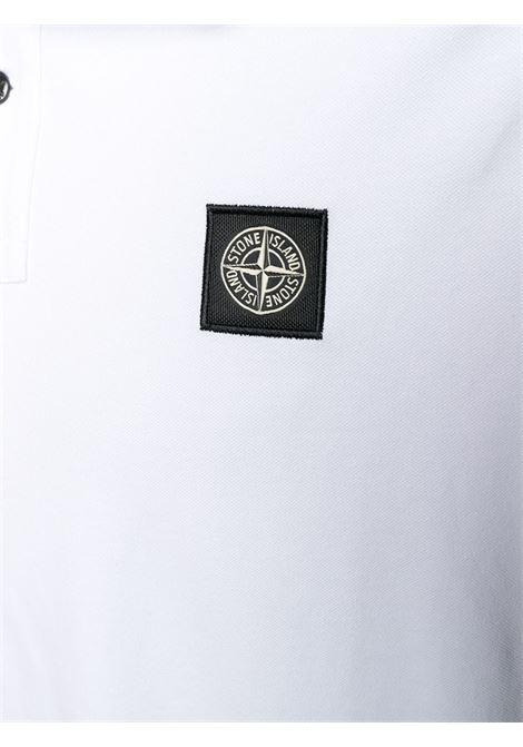 Polo bianco in cotone con patch logo Stone Island davanti STONE ISLAND | Polo | 101522S18V1001