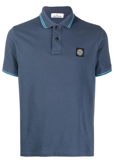Polo blu in cotone con patch logo Stone Island davanti STONE ISLAND | Polo | 101522S18V5024
