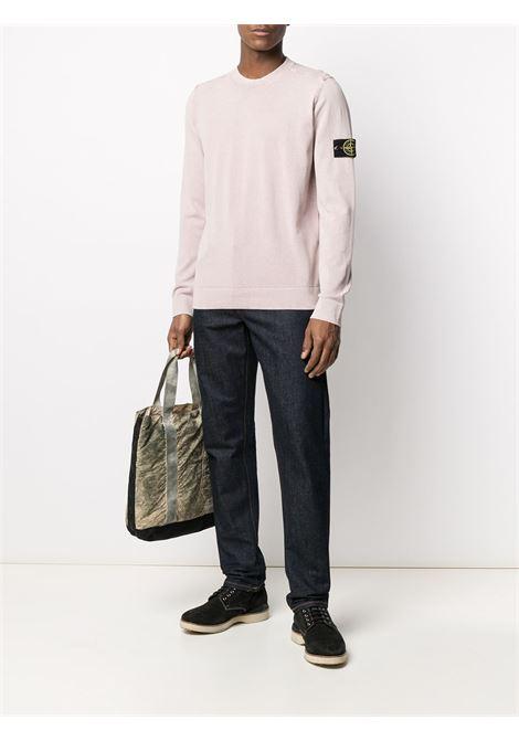 Maglione in maglia di cotone rosa con patch logato Stone Island sulla manica STONE ISLAND | Maglieria | 7415554D9V0086