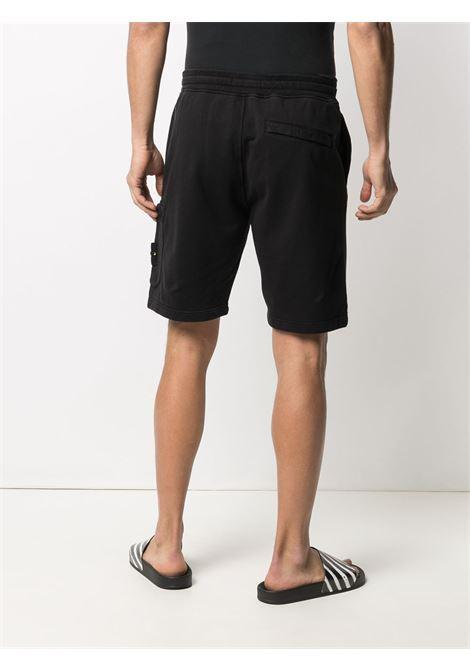 Shorts neri in cotone con logo Stone Island sulla gamba STONE ISLAND | Bermuda | 741564651V0029