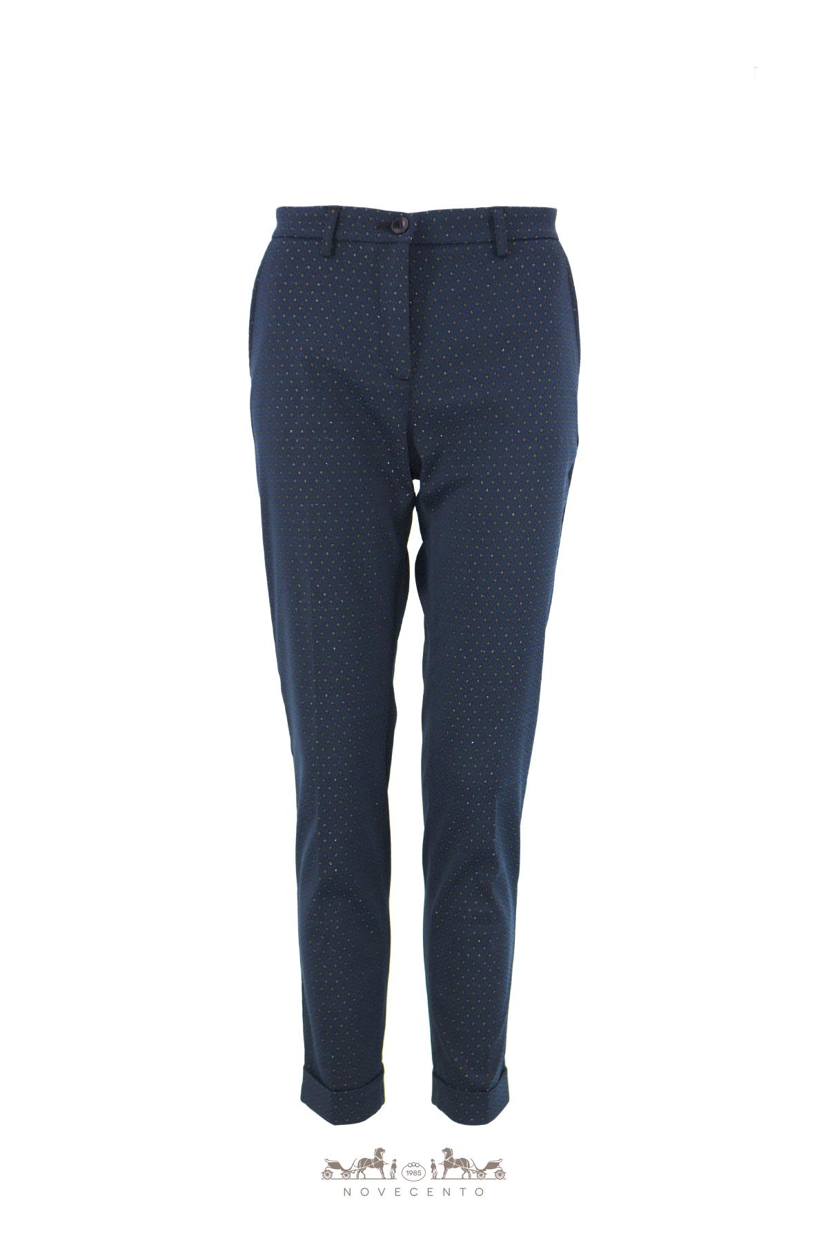 Pantalone lungo.