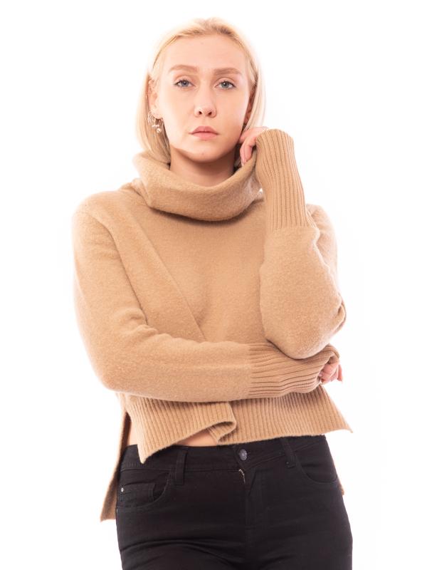 maglia a collo alto
