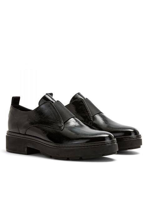 scarpa senza lacci