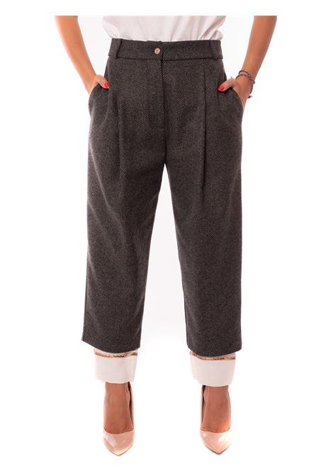 pantalone con pences