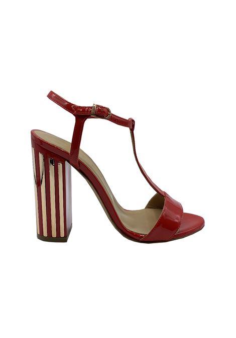 Sandalo in vernice