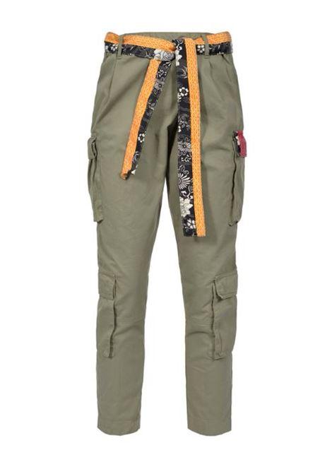 Pantaloni con cintura a contrasto
