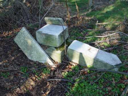 STONES, BROKEN AND DOWN - Carroll County, Ohio   BROKEN AND DOWN STONES - Ohio Gravestone Photos