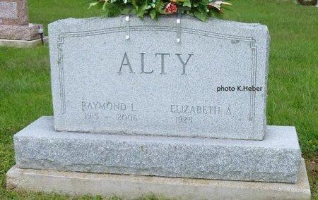 ALTY, RAYMOND LAVERN - Champaign County, Ohio | RAYMOND LAVERN ALTY - Ohio Gravestone Photos