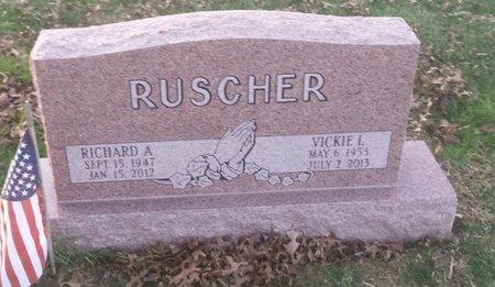 RUSCHER, RICHARD A. - Clermont County, Ohio | RICHARD A. RUSCHER - Ohio Gravestone Photos
