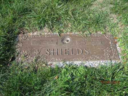 SHIELDS, EDWARD W - Franklin County, Ohio | EDWARD W SHIELDS - Ohio Gravestone Photos
