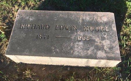 MOORE, RICHARD EDWIN - Lake County, Ohio   RICHARD EDWIN MOORE - Ohio Gravestone Photos