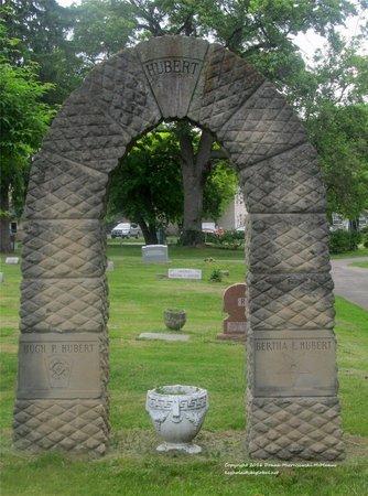 BILLS HUBERT, BERTHA - Lucas County, Ohio   BERTHA BILLS HUBERT - Ohio Gravestone Photos