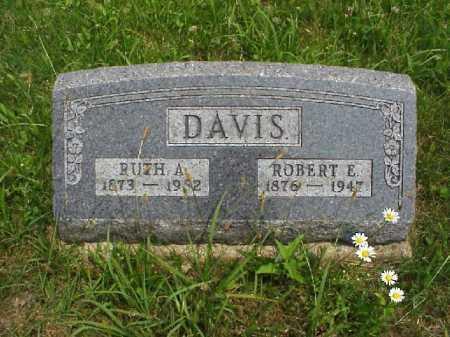 DAVIS, ROBERT E. - Meigs County, Ohio | ROBERT E. DAVIS - Ohio Gravestone Photos