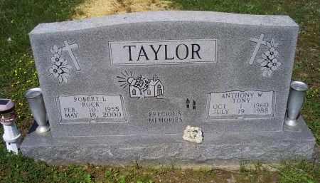 TAYLOR, ROBERT L. - Pike County, Ohio | ROBERT L. TAYLOR - Ohio Gravestone Photos