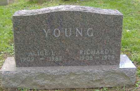 YOUNG, RICHARD F. - Richland County, Ohio | RICHARD F. YOUNG - Ohio Gravestone Photos