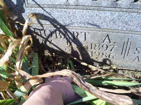 WADE, HOBART A. - Ross County, Ohio | HOBART A. WADE - Ohio Gravestone Photos