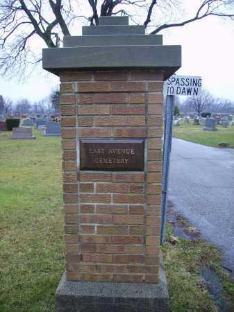 EAST AVENUE, CEMETERY ENTRANCE AND SIGN - Tuscarawas County, Ohio | CEMETERY ENTRANCE AND SIGN EAST AVENUE - Ohio Gravestone Photos