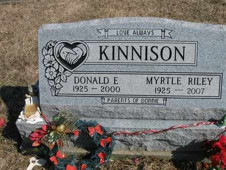 RILEY KINNISON, DONALD EUGENE AND MYRTLE IONA - Vinton County, Ohio | DONALD EUGENE AND MYRTLE IONA RILEY KINNISON - Ohio Gravestone Photos