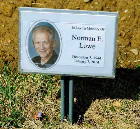 LOWE, NORMAN E - Wayne County, Ohio | NORMAN E LOWE - Ohio Gravestone Photos