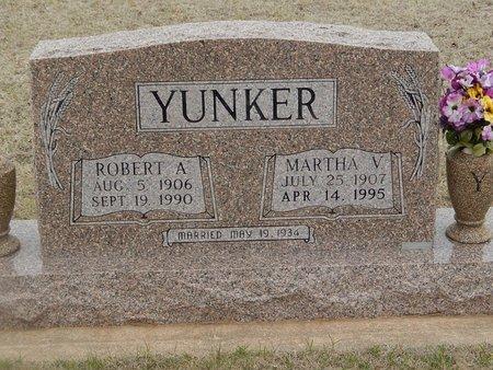 YUNKER, MARTHA V - Grant County, Oklahoma   MARTHA V YUNKER - Oklahoma Gravestone Photos