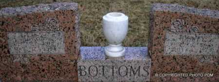 BOTTOMS, MARGIE E - Le Flore County, Oklahoma | MARGIE E BOTTOMS - Oklahoma Gravestone Photos