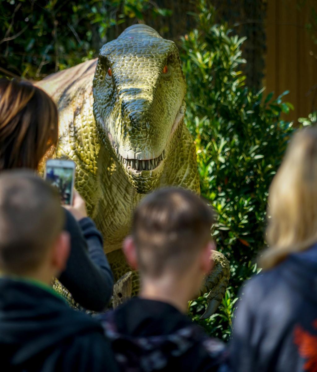Dinosaurs Invade South Florida Science Center and Aquarium
