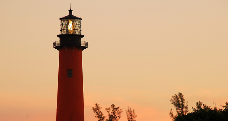 Jupiter Inlet Lighthouse and Museum Sunset