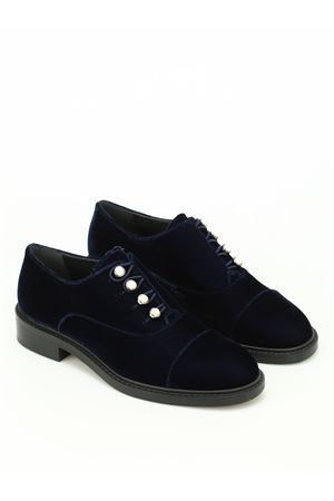 Mrspats velvet Oxford with pearls STUART WEITZMAN | 120000001 | WL62980NAVY