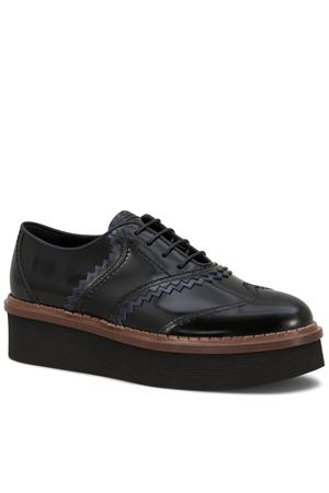Lace-up in semi-shiny leather TOD