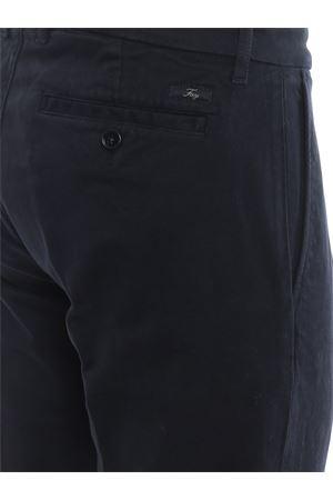 Pantaloni chino blu in twill con pinces FAY | 20000005 | NTM8639190TQGGU812
