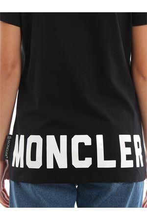 T-shirt con stampa logo Moncler MONCLER | 8 | 8091650V8094999