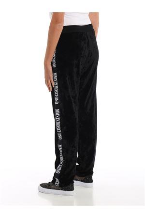 Pantaloni da tuta in velluto con bande logo MOSCHINO | 20000005 | 03175529A1555
