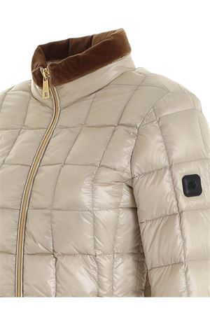 LOGO PATCH DOWN JACKET IN LIGHT BEIGE FAY | 783955909 | NAW3241420RICIB204