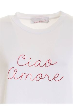 CONTRASTING EMBROIDERY T-SHIRT IN WHITE
