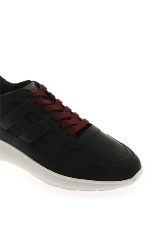 INTERACTIVE 3 SNEAKERS IN BLACK AND BURGUNDY HOGAN | 120000001 | HXM3710AM24OCAB999