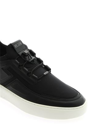 NO_CODE SNEAKERS IN BLACK TOD