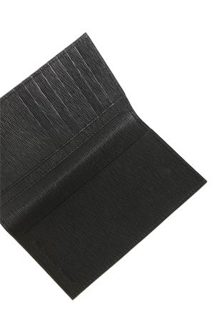 EMBOSSED LEATHER CARD HOLDER IN BLACK KITON | 10000005 | UPWYNNN008150200A