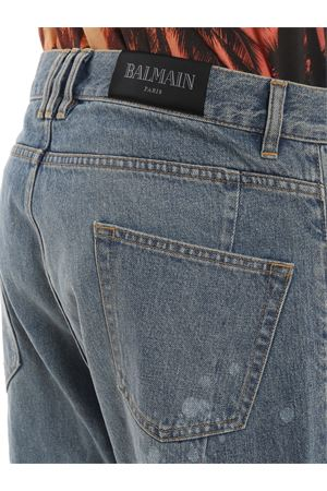 Low crotch distressed jeans 
