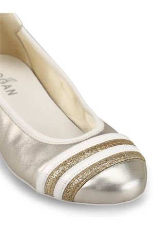 Wrap-H144 pale gold leather flats 