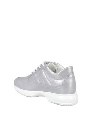INTERACTIVE SNEAKERS IN SILVER COLOR