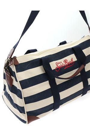 STRIPES TRAVEL BAG IN WHITE AND BLUE